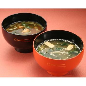 「信州・石井」の具だくさん味噌汁